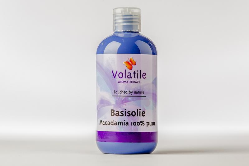 Macadamia basis